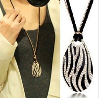 Accessories fine necklace star elegant black and white zebra print long necklace