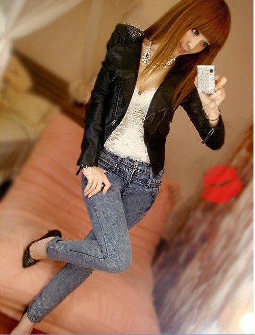 Free Shipping 2013 Fashion Casual Badge Decorated Shoulders Zipper Design Fashion Style Women Leather PU Jacket Black MM11090211(China (Mainland))