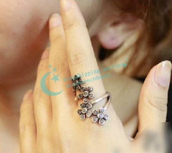 Free Shipping Retro fashion personality index finger ring girls ring the influx of people flowers Ring Hot Drop Shipping(China (Mainland))