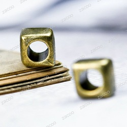 Antique Brass Kirsite Square Beads, Center Drilled Hole 4mm, 6.5x6.5x6.5mm Beads TS10056-4(China (Mainland))