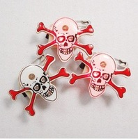 Free shipping--Halloween, Christmas supplies / LED badge /Pirate Skull LED flash Brooch/Party supplies
