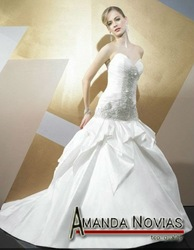 taffeta crinkle wedding dress 2012 Beads crystals pleat Famous Designer Valste19(China (Mainland))