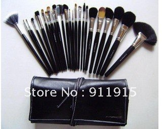 Big discount ! New 24pcs Makeup Brush kit Makeup Brushes + Black Leather Case Free shipping(China (Mainland))