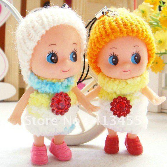 las muñecas lindas de la felpa de las muñecas de las muñecas al ...