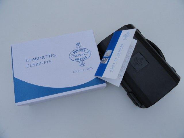 ... cie APARIS Clarinet with Case / 1986 E13, the sandalwood ebony tube