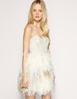 Sexy feathered dress \ wiping a bosom v collar and knee + feather production + cocktail party dress