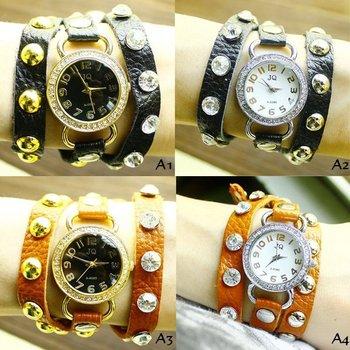 1X Queen Fan punk three coil winding Studded Leather Bracelet Watch Lady's Watch H0105