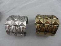 Minimum Order $20 (mixed order)   hot sale fashion jewelry Cleopatra's vintage bangle