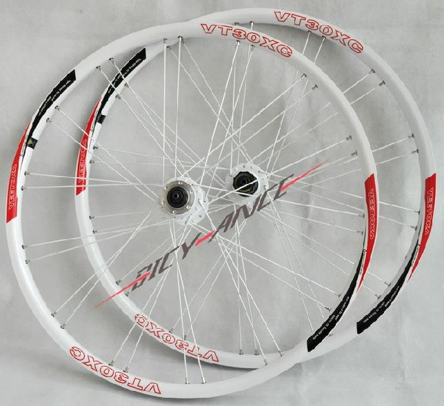 "Free shipping New New VEETOKA VT30 XC Clincher Mountain bike wheel bicycle wheels set 26"" white1 Pairs(China (Mainland))"