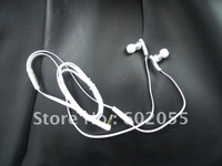 free shipping/New boxed black white mic headphones