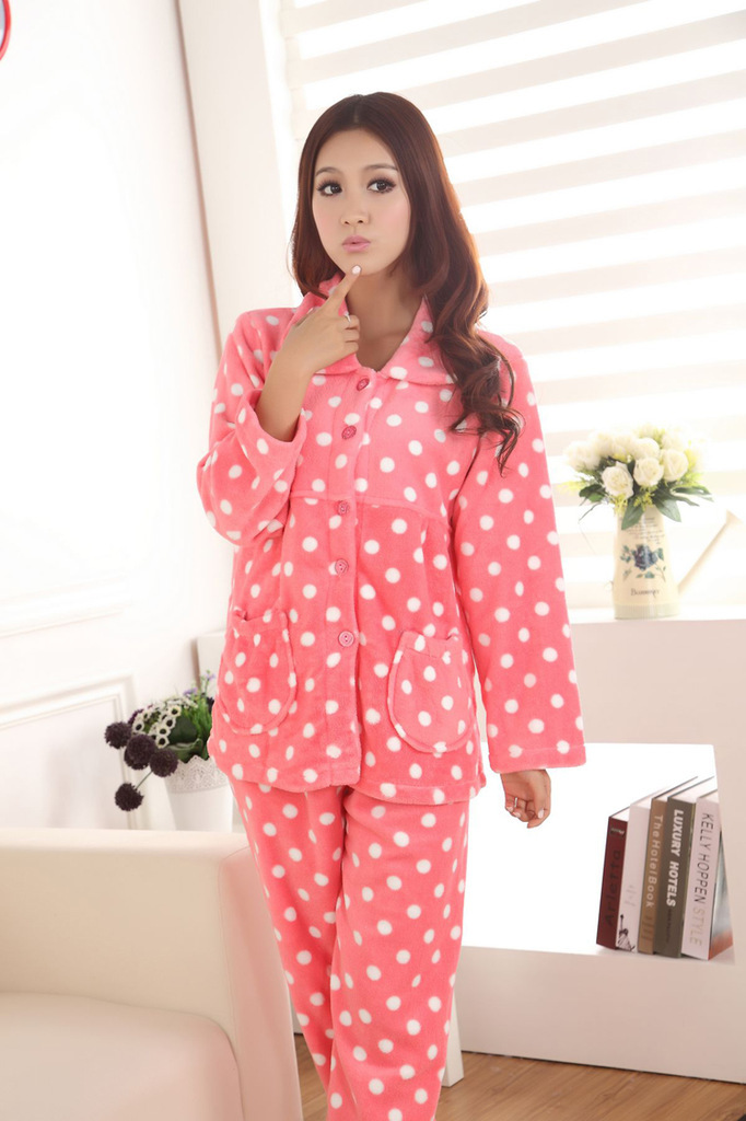 Free shipping on women's sleepwear, pajamas, loungewear, and robes at inerloadsr5s.gq Shop for pajamas, nighties, tanks, shorts, joggers, chemises, nightgowns.