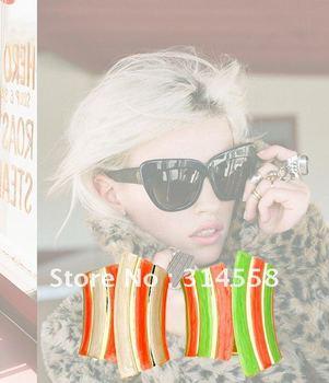 Very Trendy Concepts Bracelet,Gold Tone Enamel Hinge Cuff Bracelet,4 Pieces Per Lot,Mixed 2 Colors