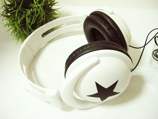 Wholesale fashion Big star earphone headphone.For MP4 MP3 Phone Laptop.Great timbre. Free shipping(China (Mainland))