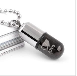 Titanium women's girls poison love dcrv pills necklace pendant qb0061
