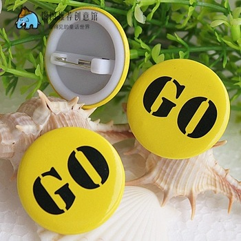 Personalized badge brooch corsage go go 3cm