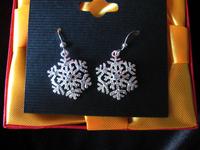 Fine silver rhinestone hexagonal shape of snowflake dangle earring