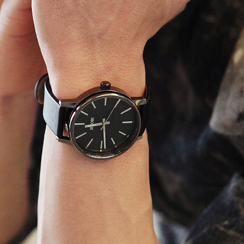whole oulm mens oversize 3 time zone military sport leather new arrival brief simple style pointer round men s watches