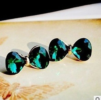 Min Order 15USD  Vintage Crystal Bowknot Stud  Earrings Fashion Jewelry D02402