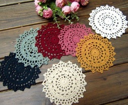 Free Shipping New 4.3 inch Hand made Round crochet doily , diameter : 11cm , 100% cotton(China (Mainland))