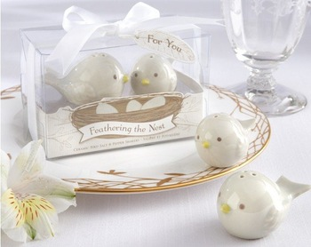 Free shipping  wholesale 30pcs=15sets wedding favor--Feathering the Nest Ceramic Birds Salt & Pepper Shakers Baby Favor