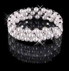 Beautiful 2013 Hot Sale 3 Row Sparkling Bracelet Pearls Wedding Bridal Party Fashion Jewelry Free Shipping(China (Mainland))