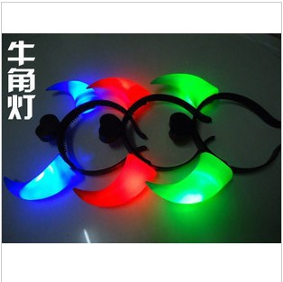 Light-emitting flashing big horn befriended lamp hair band devil light-up toy(China (Mainland))
