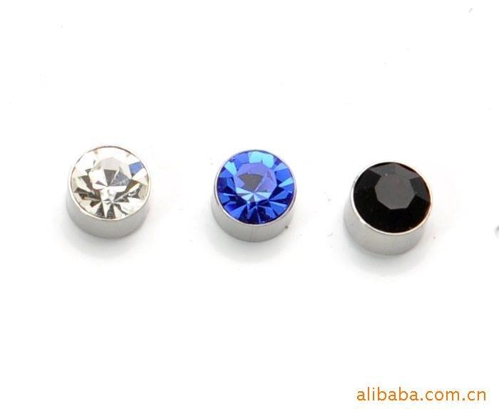 boy stud earrings anewmen should wear