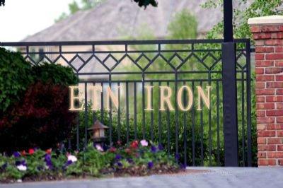 Best 25 Modern gates ideas on Pinterest  Door gate