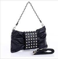 In 2012 the new rivet oblique bag lady's bag