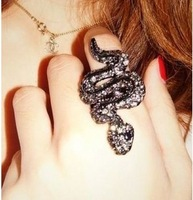 Vintage accessories three-dimensional sparkling diamond snake ring z9119