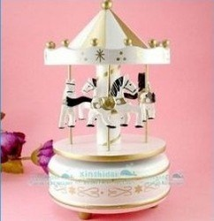 Carousel music box wooden/merry-go-round /wooden Christmas gift free shipping hot sale(China (Mainland))