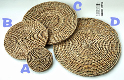 Free Shipping Eco-friendly handmade cattail coasters placemat pot holder Table Mat(China (Mainland))