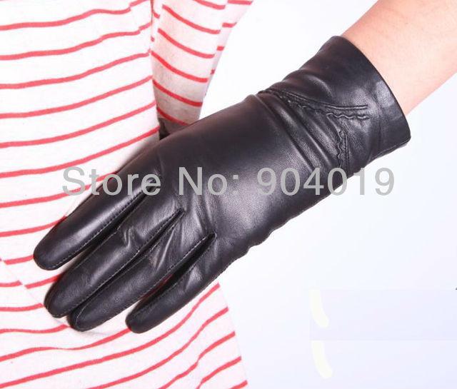New Black Fashion Women Winter Warm Driving Gloves Genuine Leather Wrist Gloves Silk Lining(China (Mainland))