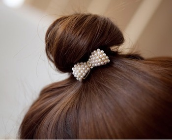 Free shipping (Mix order 10$) fashion Style Balls first good match! Lovely little pearl bow hair bands/joker hair band  B0003
