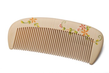 hot designer Birthday gift sp colored drawing shy 7 - 9 water boxwood wooden comb girls free shipping