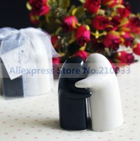 Hugging Lover Pepper Shakers (Set of 2) for Wedding Decoration Articles Party Favors Gifts Supplies Free Shipping
