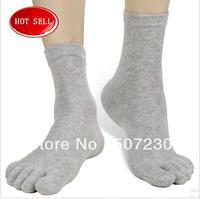 DHL Free Shipping 300pairs/lot 2013 Wholesale 100% Cotton Man finger Health care Prevent beriberi leisure socks