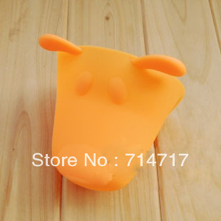 free shipping the puppy silica gel hand clip prevent hot insulating gloves silica gel gloves(China (Mainland))
