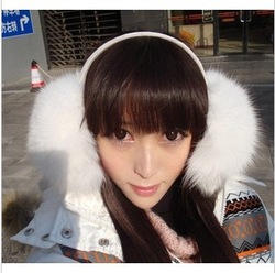 women lady huge muff,ear warmer,earmuffs,earflap,FREE SHIPPING(China (Mainland))