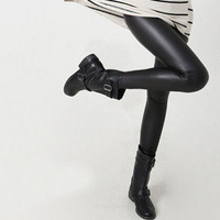 Free shipping, 2013 autumn and winter thin legging,fashion faux leather legging (L104)
