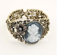 Fashion Vintage Lady Cameo Bracelet engraved