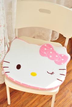 Polka dot polka dot explaines HELLO KITTY cartoon cushion cushion car seat cushion