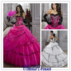 2013 Custom Made Vintage Ball Gown Hot Pink Sweetheart Black Beaded Embroidery Tiered Skirt Tulle Quinceanera Dresses Prom Dress(China (Mainland))