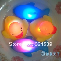 Free shipping  New Baby Bath Toys 2pcs Duck + 2pcs dolphin  Multi Color LED Lamp Light