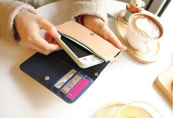 30PCS Multifunctional hand carry type leather bag For Iphone 4/4S(China (Mainland))