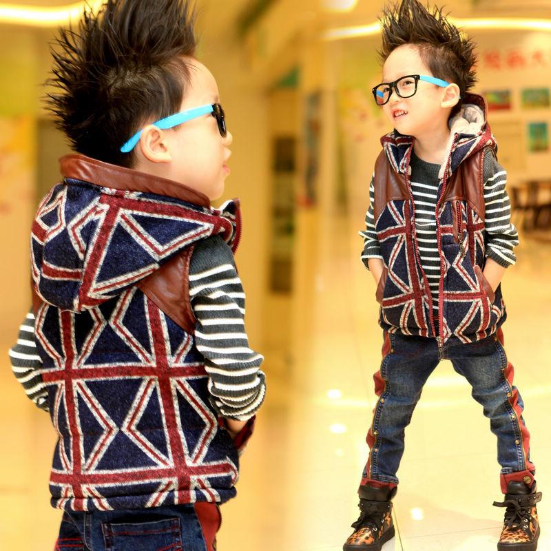 Модная жилетка для мальчика