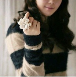 Min.order is $10 (mix order) R252 Fashion Resizable Big Flower Rings jewelry ! !Free shipping! cRYSTAL sHOP(China (Mainland))