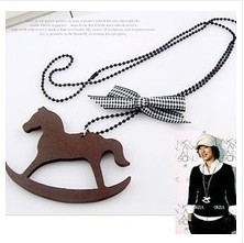 Nanana jewlery store N122 hot selling jewlery wooden pendant horse and bow necklace free shipping (MIN order $10 mixed order)(China (Mainland))