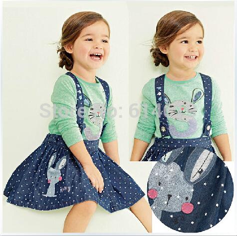 "Dream. Dress. Play.: Scrap Saver 18"" Doll Skirt: FREE Pattern"