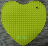 free shipping Silicone pad love heat pad placemat coasters pot holder anti-hot bowl pad soft mesh pad